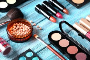 Why You should be Aware of the Ingredients Used For Your Makeup