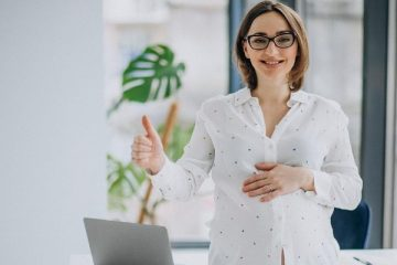 Flexible Ways to Make Money on Maternity Leave by Using Your Grammar Skills