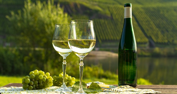 4 Types Of Wine That Originate From Europe