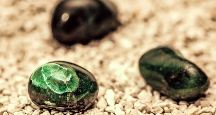 The Benefits of Using and Wearing a Moldavite Crystal