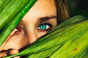 Why Wear Colored Eye Contacts & How To Get Them Online