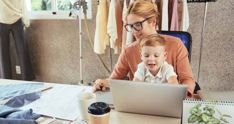 4 Best Tips For Mothers To Start Their Online Business In 2021