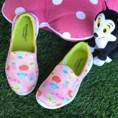 Pussy cat slip-on shoes